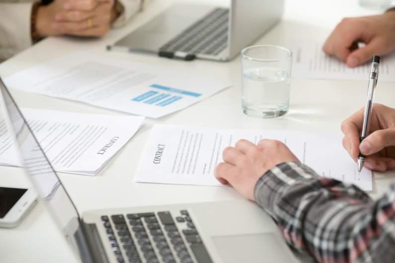 Traduction pour les cabinets d'assurance: un atout de taille pour communiquer efficacement
